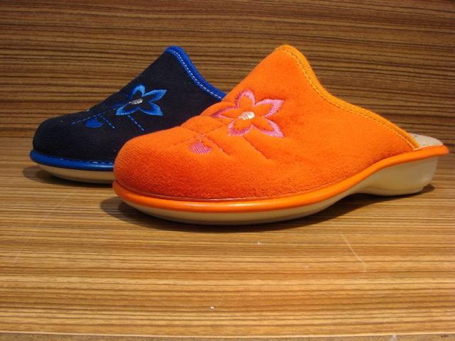 zdravotnické potřeby. prodej obuvi kladno. Zdravotní pantofle - dámské d8173ef18b